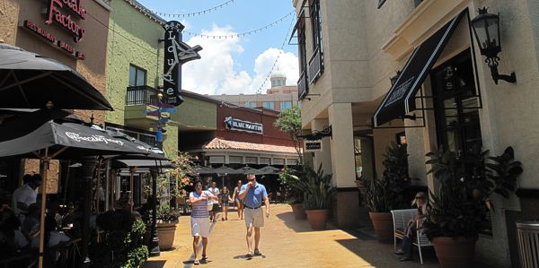 City Walk im International Plaza, Tampa Florida